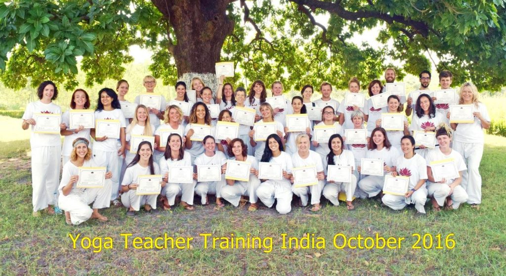201609 yoga teacher training India