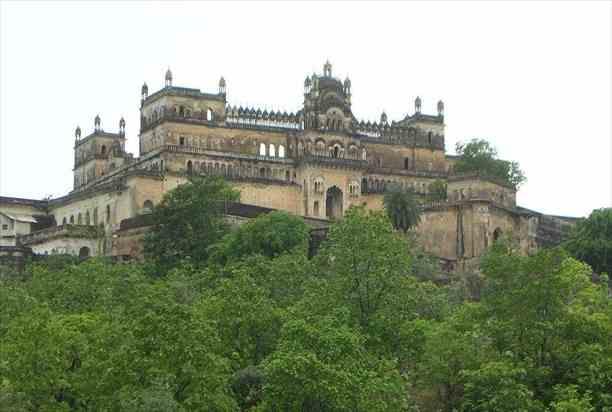 rajgarh-palace