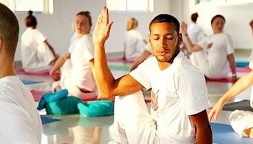 Hatha yoga docenten opleiding India