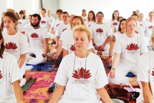 meditatie tijdens korte 200 uur yoga opleiding