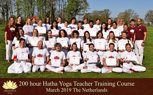 Groepsfoto 200 uur yoga opleiding Nederland