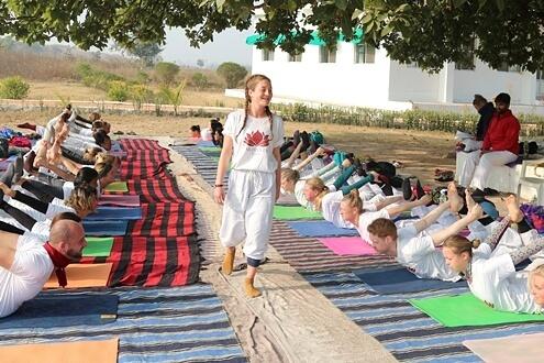 yogaleraar worden
