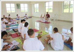 How to become a yoga teacher 500 hour training